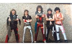 42 Tragically Awkward Band Photos That Take Poor Taste To New, Impressive Levels (Slide #20) - Offbeat