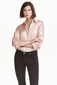 Satijnen blouse - Poeder - DAMES | H&M NL 1