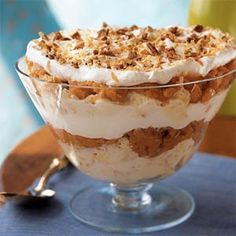Sweet Potato Trifle - These easy dessert recipes combine cake, fruit, and a little bit of cream to make a treat that's delicious and diet-friendly. Ease your sweet tooth with 11 low-cal indulgences. Trifle Dish, Trifle Desserts, Trifle Recipe, Easy Desserts, Delicious Desserts, Dessert Recipes, Holiday Desserts, Brownie Trifle, Healthy Desserts