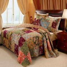 Add the country feel to your bedroom with this multicolor french country patchwork quilt set. Stunning quality bedding with floral and paisley prints. French Country Bedrooms, French Country Style, French Country Decorating, Cotton Bedding Sets, Comforter Sets, King Comforter, Country Bedding Sets, Country Quilts, Girls Bedroom