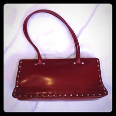 """INC Red Shoulder Bag Very good condition with two vey light scuff marks on the front and some light transfer on the back. One inside zipper pocket. Bag measures 13.5"""" x 6.5"""" x 4.5"""". ❤️❤️❤️ INC International Concepts Bags Shoulder Bags"""