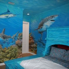 Underwater bedroom mural. Gorgeous!!!! This is the almost exact plan I have for my future daughters room... There's a reason behind it that will be told one day :)
