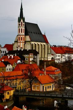 Český Krumlov, Czech Republic ^sometimes we forget the beauty to be found in eastern europe Places Around The World, Travel Around The World, Around The Worlds, Beautiful Buildings, Beautiful Places, Saint Marin, Places To Travel, Places To Go, Europe Centrale