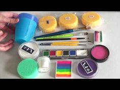 Great face painting supplies & kit + Product infos - Face Painting Made Easy PART 1 Face Painting Supplies, Face Painting Tips, Face Painting Tutorials, Face Painting Designs, Painting Patterns, Painting For Kids, Paint Supplies, Belly Painting, Face Paintings