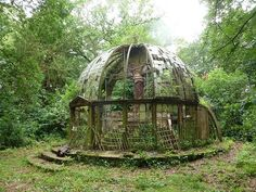 """Acquire fantastic recommendations on """"greenhouse design architecture"""". They are accessible for you on our site. Old Buildings, Abandoned Buildings, Abandoned Places, Greenhouse Gardening, Greenhouse Wedding, Greenhouse Ideas, Abandoned Mansions, Glass House, Architecture"""