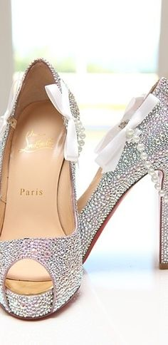 Angie, oh Angie!!!! Christian Louboutin HIGH HEELS WITH BOW AND PEARLS