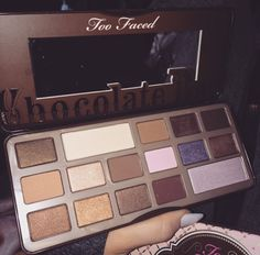 I absolutely ❤️ the too faced chocolate bar pallette it has amazing colours and they blend like a dream and it is a bonus that the pallette itself smells like chocolate ❤️