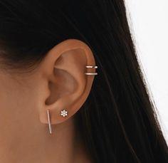 Ear Piercing For Women, Double Ear Piercings, Unique Ear Piercings, Ear Piercings Chart, Piercing Cartilage, Ear Peircings, Cute Piercings, Piercing Tattoo, Ear Jewelry