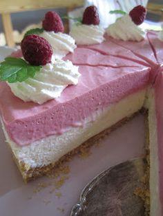 HELÉNS GOTT O BLANDAT!!: Halloncheesecake! Raw Food Recipes, Cake Recipes, Dessert Recipes, Frozen Cheesecake, Swedish Recipes, My Dessert, Fancy Cakes, Cake Cookies, Love Food