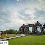 Sewa Mobil Jogja Murah | Rental 0822-3316-6661 | Mansions, House Styles, Home, Decor, Decoration, Manor Houses, Villas, Ad Home, Mansion