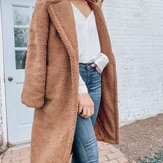 This BB Dakota Teddy Bear Coat looks amazing dressed up or down. My favorite way to wear it is with a thermal and jeans and booties! It is a cozy long coat!