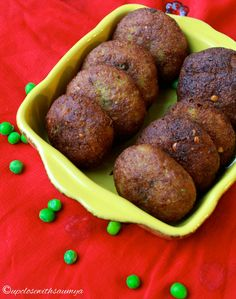 UP CLOSE WITH SAUMYA: Potato and Peas Pattice