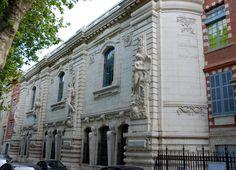 "Ecole Supérieure des Beaux Arts - Toulouse, FRANCE ❤ ℒℴvℯ! Best arts school of the city ^^ It also has a ""spectacle arts"" department."