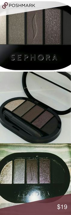 Colorful 5 Eyeshadow Palette No?4 A palette of five colorful eye shadows selected to look great alone or in combination for endless makeup effects. * Brand new wrapped in plastic still... Slight ware outside, from being stored* Sephora Makeup Eyeshadow