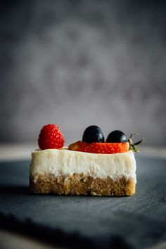 Vanilla and Fruit Cheesecake