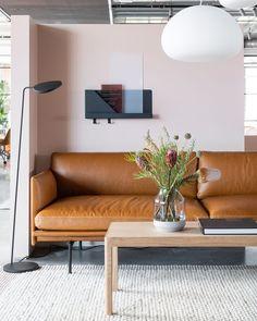 Skandinavisches Sofa Cognacwohnzimmer Skandinavisches Sofa In 2020 Furniture Home Decor Decor