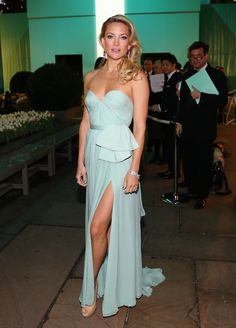 LOVE LOVE LOVE Found the dress! would be amazing color for bridesmaids dresses and this dress design for a wedding gown! Kate Hudson Tiffany Blue Reem Acra 2013 Dress Blue Book Ball