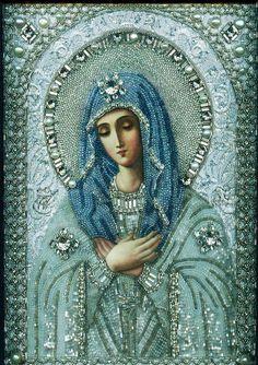 Mère de Dieu, faite avec des perles                                                                                                                                                                                 Plus