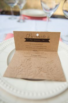 kraft paper menu by http://la-sync.com/ perfect for this laid-back brunch wedding  Photography by brookeschultzphotography.com
