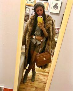 #fbf my first look of the winter season. Vintage @chanelofficial bag @pourlavictoire booties vintage fur coat @thakoonny shorts _____________________________________________________________  #fashioneditor  #newyorkstyle #luxury  #instagood #instafashion #photooftheday #streetstyle #fashionblogger  #ootd #style #fashion #etceteramodus #marydyann #girlboss #fashionstylist  #luxuryfashion  #instastyle #fashionista  #instadaily  #fashiongram  #instalike #melanin #wiw #styleiswhat  #latergram…