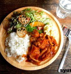 【簡単!!カフェごはん】鶏肉の洋風煮込みでワンプレート