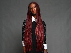 Na coletiva de imprensa da novela, a atriz chamou atenção com os fios totalmente vermelhos  (Foto: Raphael Dias/Gshow)