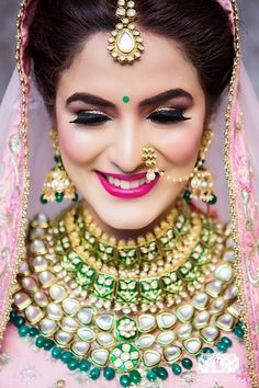 Breathtaking jewellery necklace with green beads for an Indian wedding. See more… Breathtaking jewellery necklace with green beads for an Indian Wedding Bride, Indian Wedding Makeup, Indian Wedding Jewelry, Indian Jewelry, Silver Jewelry, Indian Weddings, Wedding Veils, Opal Jewelry, Wedding Wear
