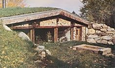 In their second attempt at cordwood construction, the authors decided to build an earth-sheltered cordwood house underground. Originally published as