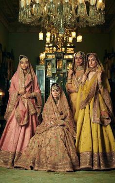 Indian Wedding Guest Dress, Indian Bridal Outfits, Indian Bridal Fashion, Indian Fashion Dresses, Pakistani Bridal Dresses, Dress Indian Style, Sabyasachi Lehenga Bridal, Indian Bridal Lehenga, Indian Dresses Traditional