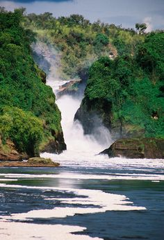#Murchison Falls, Uganda. Been here in 06'. Have the same exact pic in my camera :)  # We cover the world over 220 countries, 26 languages and 120 currencies Hotel and Flight deals.guarantee the best price multicityworldtravel.com