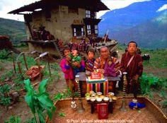 Peter Menzel Material World: Un retrato de familia global, Bhután