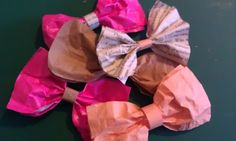 Wednesday wonder, how to make a gift wrap paper bow x