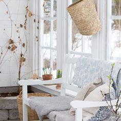 Nyt saa kevät tulla kasvihuoneeseen ☀️ Nu får det bli vår i växthuset #kasvihuone #kevät #kevät #växthus #vår #greenhouse #greenroom #springtime