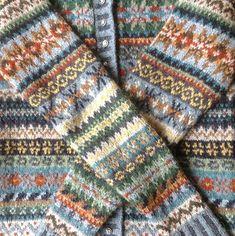 Warm winter woolies Ravelry: Project Gallery for Orkney pattern by Marie Wallin Fair Isle Knitting Patterns, Knitting Charts, Knitting Stitches, Knitting Designs, Knitting Socks, Knit Patterns, Knitting Tutorials, Stitch Patterns, Knitting Projects