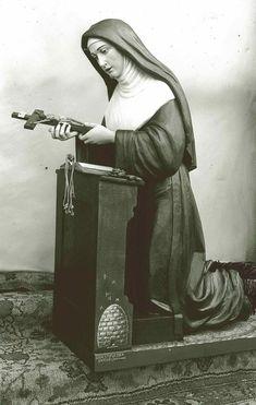 St Christopher Tattoo, Saint Christopher, Sta Rita, Wooden Statues, Catholic Saints, Ferdinand, Cathedral, Mona Lisa, Santa