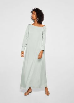 From simple skirts and sweaters to coloured gowns we round up the best alternative wedding dresses on the market. Click in to see our editors picks. Ruched Dress, Silk Dress, Moda Mango, Meghan Markle Wedding Dress, Bohemian Beach Wedding, Satin Trousers, Alternative Wedding Dresses, Trendy Outfits, Tejidos