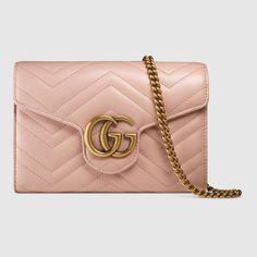 9c0f5d51976a9e GG Marmont matelassé mini bag. gucci.com