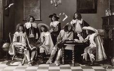 Tableaux vivants.  Un tableau vivant de la légation allemande et vénitien pendant le soixantième anniversaire de l'Université de Groningen, Groningen, Pays-Bas, 1914.  Série de 8 photos.