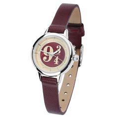 Reloj de pulsera Andén 9 3/4 de Harry Potter:  - Delicado reloj de pulsera con esfera roja y dorada, bordes plateados, correa burdeos y logo del andén 9 3/4 - Longitud de la correa ajustable de 14 a 18.5 cm - Ancho de la correa 0.8 cm - Diámetro de la esfera 2.4 cm - Correa hecha de cuero sintético - Marca las horas, los minutos y los segundos - 1 año de garantía - No resistente al agua