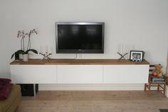 Vegghengt TV-benk
