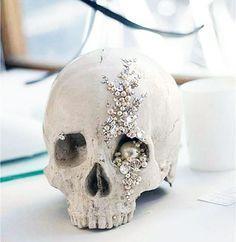 halloween weddings skulls decorations | 19 Halloween Wedding Ideas That Aren't Cheesy