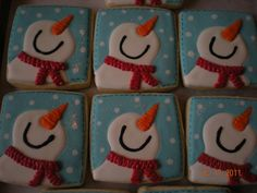 Snowman cookies :) faces looking up Christmas Cookies Frosting Ideas looks like Olaf from Frozen Iced Sugar Cookies, Christmas Sugar Cookies, Christmas Sweets, Holiday Cookies, Christmas Holiday, Holiday Ideas, Christmas Ideas, Snow Cookies, Fancy Cookies