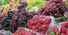 Gyümölcstermő ehető növények. Itt láthat gyümölcsfa csemegeszőlő fajtákat bogyós növényeket zöldségféléket és fűszernövényeket.  https://www.tuja.hu/gyumolcs.html