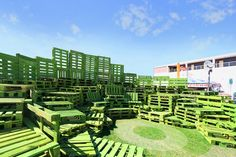 malka architecture uses pallets to build arenas in las vegas is part of - working alongside justkid's curator charlotte dutoit, life is beautiful a music and art festival has initiated the urban renewal of downtown las vegas Green Architecture, Concept Architecture, Landscape Architecture, Amphitheater Architecture, Green Pallete, Edinburgh, Temporary Architecture, Pallet Painting, Exhibition Display