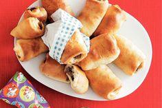 Brabantse worstenbroodjes - Recept - Allerhande Dutch Recipes, Baking Recipes, I Love Food, Good Food, Buffet, Savoury Dishes, Bread Baking, Tapas, High Tea
