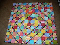 Em's Scrapbag: Free For All Finish - what a cute scrap quilt that starts with leaders and enders!