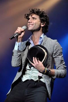 Mika is perfection - unknown gig