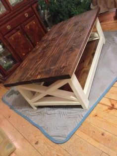 Rustic Coffee Table Success Do It Yourself Home Projects From Ana White Diy 85 X Coffee Table, Rustic Coffee Tables, Rustic Table, Diy Table, Wood Pallet Coffee Table, Rustic Wood, Homemade Coffee Tables, Diy Coffee Table Plans, Coffee Cups