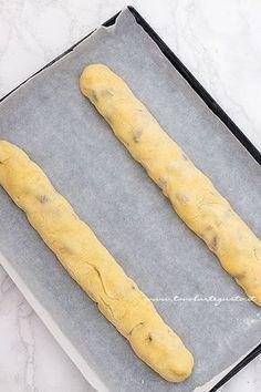 Filoncini pronti da infornare - Ricetta Cantucci Italian Pastries, Italian Desserts, Mini Desserts, Italian Recipes, Biscotti Cookies, Almond Cookies, Lemon Drop Cookies, Chocolate Chip Pudding Cookies, Flourless Cake