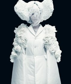 Comme des Garçons Spring 2012 Ready to Wear, White Drama, ph. Paolo Roversi, Musee Galliera de la Mode
